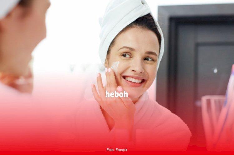 Jangan Langsung Buang Skincare yang Nggak Cocok, Lakukan Aja Trik Berikut Ini